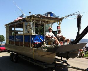 Boat in  Bellevue Parade,  photo by  Mary Pederson of Telegraph Herald