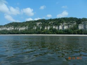 Large clifffs above Alton,Il