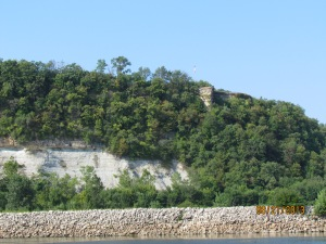 Cliff near Hannibal , Mo