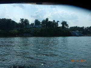 Nice homes along the shoreline. $$$$$
